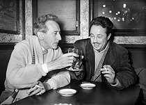 Jean Cocteau and Armand Lanoux, Guillaume Apollinaire's prize-winner, on January 9, 1953.  © Roger-Viollet