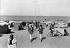 Deauville (Calvados). La plage, vers 1925. © CAP / Roger-Viollet