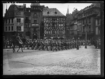 World War One. Parade of French troops near the cathedral of Mainz (Germany), between December 8 and mid-December 1918. © Excelsior – L'Equipe/Roger-Viollet