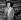 """Jeanne Moreau dans """"Pygmalion"""" de George Bernard Shaw. Paris, théâtre des Bouffes-Parisiens, janvier 1955. © Studio Lipnitzki / Roger-Viollet"""