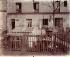 Belleville, ancien regard (dit du Marais), 41, rue des Solitaires, 1901. Paris, XIXème arrondissement. Photographie d'Eugène Atget (1857-1927). Paris, musée Carnavalet. © Eugène Atget / Musée Carnavalet / Roger-Viollet