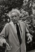 Jean Cocteau (1889-1963), French writer, director and dramatist, at his place. Milly-la-Forêt (Essonne), 1959.  © Jean Mounicq / Roger-Viollet