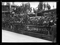 "World War I. Arrival of the first US military contingents in France. Saint-Nazaire (France), late June 1917. Photograph published in the newspaper ""Excelsior"", late June 1917. © Excelsior – L'Equipe/Roger-Viollet"