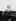 La princesse Elisabeth d'Angleterre (née en 1926), saluant la foule depuis une calèche. Londres (Angleterre), 3 mai 1928. © PA Archive/Roger-Viollet