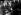 Margaret Thatcher (1925-2013), femme politique britannique, souriante, saluée par ses supporters après sa victoire au sein du parti Conservateur. Elle est escortée à sa voiture par la police et conduite au bureau central, place Smith afin d'y tenir une conférence de presse. 11 février 1975.   © TopFoto / Roger-Viollet