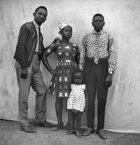 Family. Lambaréné (Gabon), March 1966. © Roger-Viollet