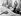 Sugar Ray Robinson (1921-1989), boxeur américain, recevant un crochet de Pat McKeown, vétérant de la boxe de 93 ans, lors d'une visite à l'hôpital d'Erskine. Glasgow (Ecosse), 20 août 1964. © TopFoto / Roger-Viollet