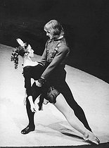 November 28, 1949 (70 years ago) : Birth of Alexander Godunov, Soviet ballet dancer and actor © SCRSS - Society For Co-operation in Russian & Soviet Studies/TopFoto/Roger-Viollet