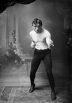 Carl Wonders, boxer. Paris, November 1911. © Maurice-Louis Branger / Roger-Viollet
