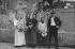 Guerre 1914-1918. Portrait de groupe, famille venant de Charleroi, rue de Torcy. Paris 20-30 août 1914. Photographie de Charles Lansiaux (1855-1939). Bibliothèque historique de la Ville de Paris. © Charles Lansiaux/BHVP/Roger-Viollet