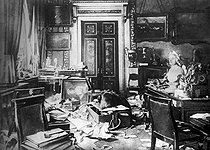 1917 Russian Revolution. Tsar Nicolas II's plundered study, on November 7, 1917. © Albert Harlingue/Roger-Viollet