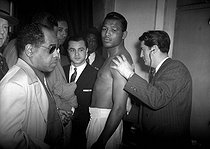 Walker Smith, dit Ray Sugar Robinson (1920-1989), boxeur américain. Paris, 1951. © Roger-Viollet