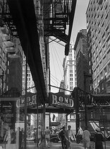 Overhead railway. Chicago (Illinois, United States), circa 1937. © Laure Albin Guillot / Roger-Viollet