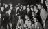 Miguel de Unamuno (1864-1936), écrivain espagnol, exilé à cause de ses idées antimonarchistes de retour en Espagne et entouré d'étudiants après la chute du régime de Primo de Rivera. Madrid (Espagne), 6 mai 1930. © Imagno / Roger-Viollet