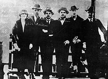 Five composers of the Six, photographed on the Eiffel Tower with Jean Cocteau, driving force of the group. From left to right: Germaine Tailleferre, Francis Poulenc, Arthur Honegger, Darius Milhaud, Jean Cocteau and Georges Auric. Durey is missing. © Albert Harlingue/Roger-Viollet