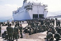War in Lebanon. Departure of the French contingent. Marines. Beyrouth, April 1984. © Françoise Demulder / Roger-Viollet