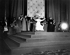 Guerre 1939-1945. Le pape Pie XII (1876-1958) bénissant les soldats américains au Vatican, 1944. © Alinari/Roger-Viollet