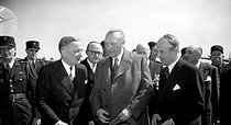 Willy Brandt (1913-1992), German Chancellor, greeted by Georges Bidault (1899-1983), French politician, at his arrival in Paris, on May 11, 1953.  © Roger-Viollet