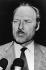 """Jack Slipper (1924-2005), commissaire divisionnaire britannique, s'exprimant face aux journalistes après sa tentative d'arrestation de Ronald Arthur Biggs (Ronnie, 1929-2013), voleur britannique et """"cerveau"""" de l'attaque du train postal Glasgow-Londres en 1963, réfugié à Rio de Janeiro (Brésil), 1974. © TopFoto / Roger-Viollet"""