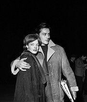 "Romy Schneider (1938-1982), Austrian actress, and Alain Delon (born in 1935), French actor, during a rehearsal of ""Tis pity she's a whore"", play by John Ford. Théâtre de Paris, March 1961. © Studio Lipnitzki / Roger-Viollet"