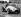 Mike Hawthorn (1929-1959), pilote automobile anglais, durant les essais de qualification du Grand Prix de Silverstone (Angleterre), 17 juillet 1953. © TopFoto / Roger-Viollet