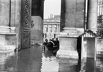 1910 Great Flood of Paris. The Chamber of Deputies. © Maurice-Louis Branger / Roger-Viollet