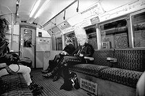 London (England). A punk in the underground. © Roger-Viollet