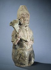 Barbare porteur d'offrande (vue de 3/4 droit). Chine, époque Tang entre 618 et 907. Paris, musée Cernuschi. © L. Degrâces, P. Joffre / Musée Cernuschi / Roger-Viollet