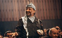 Speech of Yasser Arafat (1929-2004), head of the Palestine Liberation Organization. Algiers (Algeria). © Françoise Demulder / Roger-Viollet