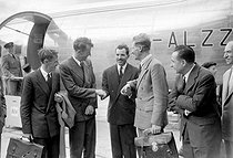 Maurice Herzog, French mountaineer and politician, greeting the Everest conquerors. From left to right: A. Gregory, Sir Edmund Hillary, Maurice Herzog, Colonel John Hunt, Marcel Ichac and R. Herzog, head of the French Alpine Club. Le Bourget (Seine-Saint-Denis), on July 22, 1953. © Roger-Viollet