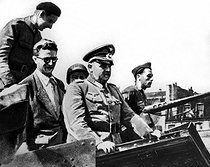 World War II. Liberation of Paris. Surrender of von Choltitz, commander of German forces in Paris to Rol-Tanguy and Maurice Kriegel-Varlimont (on the left). © Roger-Viollet