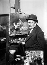 Jean-Louis Forain (1852-1931), French painter, artist and engraver, in his studio. © Albert Harlingue/Roger-Viollet