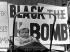 Bébé dans son landau lors d'une manifestation antinucléaire. Londres (Angleterre), avril 1958. © TopFoto/Roger-Viollet