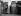 Margaret Thatcher (1925-2013), Premier ministre britannique, quittant un bureau de vote avec son mari Denis Thatcher (1915-2003). Grande-Bretagne, 12 juin 1987. © Ullstein Bild / Roger-Viollet