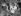 Jeunes femmes bronzant en écoutant la radio. Danemark, 1961.  © Ebbe Andersen/Polfoto/Roger-Viollet