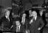 Claude François, Gilbert Bécaud, Charles Aznavour et Bruno Coquatrix dans les studios d'Europe N°1. © Jacques Cuinières / Roger-Viollet