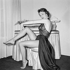 Nadine Tallier (future Nadine de Rothschild, née en 1932), actrice française. Paris, vers 1955. © Gaston Paris / Roger-Viollet