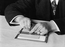Small board used for blind persons to write in Braille characters. France, 1916. © Jacques Boyer/Roger-Viollet