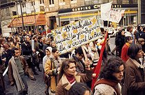Demonstration organized by the MLF (movement for the women's freedom). First march of women for the abolition of laws regarding abortion and for the liberty of birth control. Paris, on November 20, 1971. © Catherine Deudon/Roger-Viollet