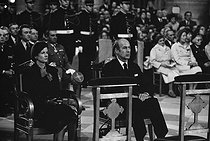 Valéry Giscard d'Estaing (born in 1926), French politician, his wife Anne-Aymone, and their two sons Henri and Louis, attending the funeral of Georges Pompidou (1911-1974), President of the French Republic. Paris, Notre-Dame Cathedral, April 6, 1974. © Jacques Cuinières / Roger-Viollet