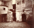 Vieille cour, 275 rue de Vaugirard. Paris (XVème arrondissement), 1909. Photographie d'Eugène Atget (1857-1927). Paris, musée Carnavalet. © Eugène Atget / Musée Carnavalet / Roger-Viollet