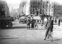 World War II. Liberation of Paris. Vehicles from the 2nd Armored Division commanded by General Leclerc, rue Saint-Jacques, August 1944. © Roger-Viollet