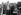 Edith Piaf (1915-1963), chanteuse française, et les Compagnons de la chanson, 1948. © Roger-Viollet