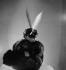 Mlle Kilvert. Chapeau Caroline Reboux. Photographié pour le magazine Fémina. Paris, novembre 1936.  © Boris Lipnitzki/Roger-Viollet