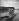 """Couple en pédalo sur un lac, vers 1933. Photographie de Hedda Walther (1894-1979), publiée dans """"Uhu"""". © Hedda Walther/Ullstein Bild/Roger-Viollet"""