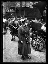 "World War One. New jobs for women since the beginning of the war: deliverery woman for the Bon Marché department store. Paris, June 1917. Photograph published in the newspaper ""Excelsior"" of Sunday, June 24, 1917. © Excelsior – L'Equipe/Roger-Viollet"