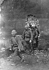 Seconde guerre sino-japonaise. Prise de Nankin. Soldats japonais s'introduisant dans la ville par la brèche d'un mur. Décembre 1937. © Ullstein Bild/Roger-Viollet