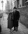 Vivien Leigh (1913-1967), actrice britannique, et son époux Laurence Olivier (1907-1989), acteur et réalisateur anglais. Londres (Angleterre), 15 juillet 1956. © PA Archive / Roger-Viollet