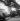 Usines Renault de Boulogne-Billancourt (Hauts-de-Seine). Déchargement de camions, vers 1946-1948. © Pierre Jahan / Roger-Viollet