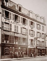 145 rue de Belleville. Paris (XIXth arrondissement), July 1906. Photograph by the Union Photographique Française. Paris, musée Carnavalet. © Musée Carnavalet/Roger-Viollet